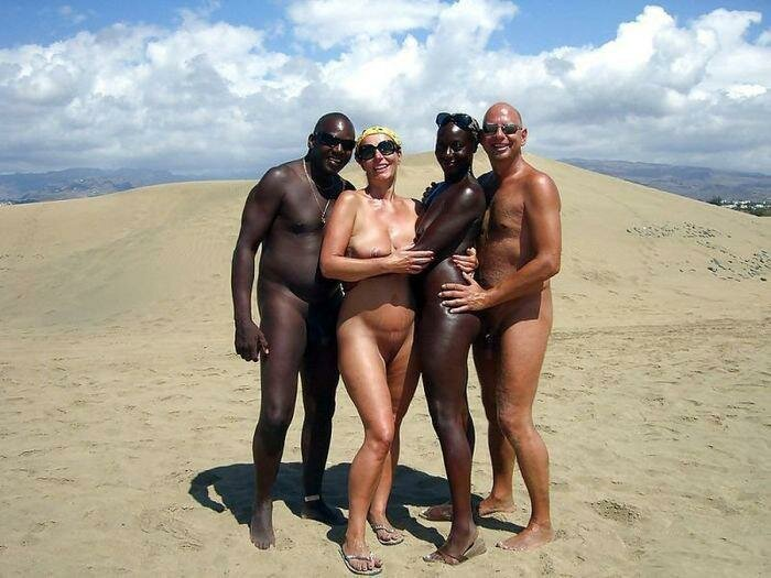 humping-women-black-nudist-family-beach