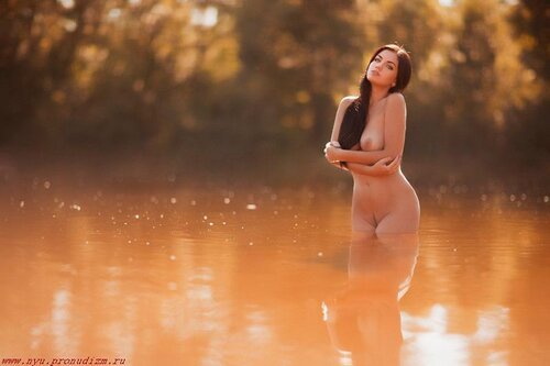 купание ню