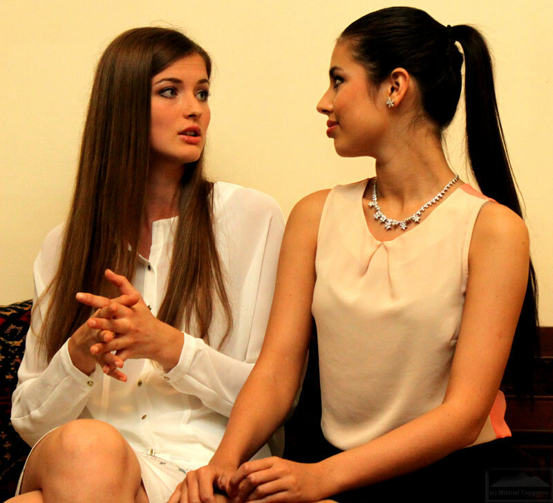 Анна Заячковская и Элмира Абдразакова