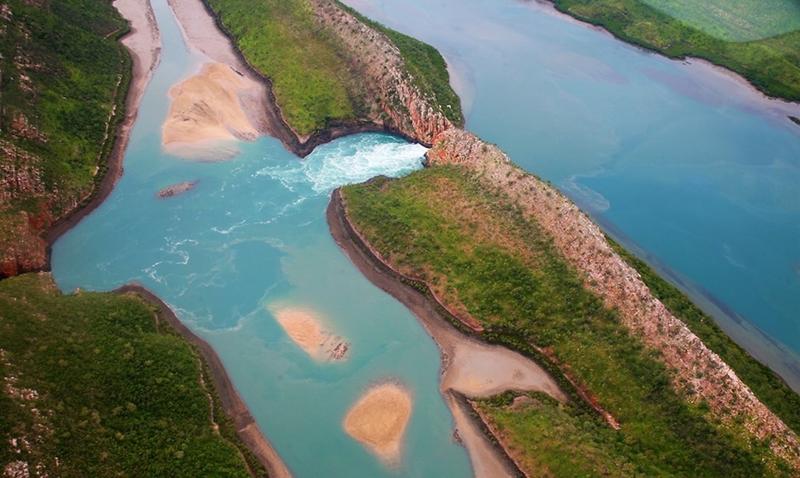 Горизонтальные водопады бухты Талбот