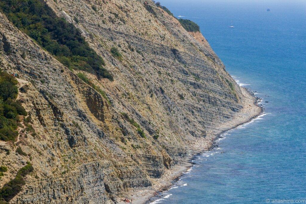 Прибрежные скалы в Дюрсо