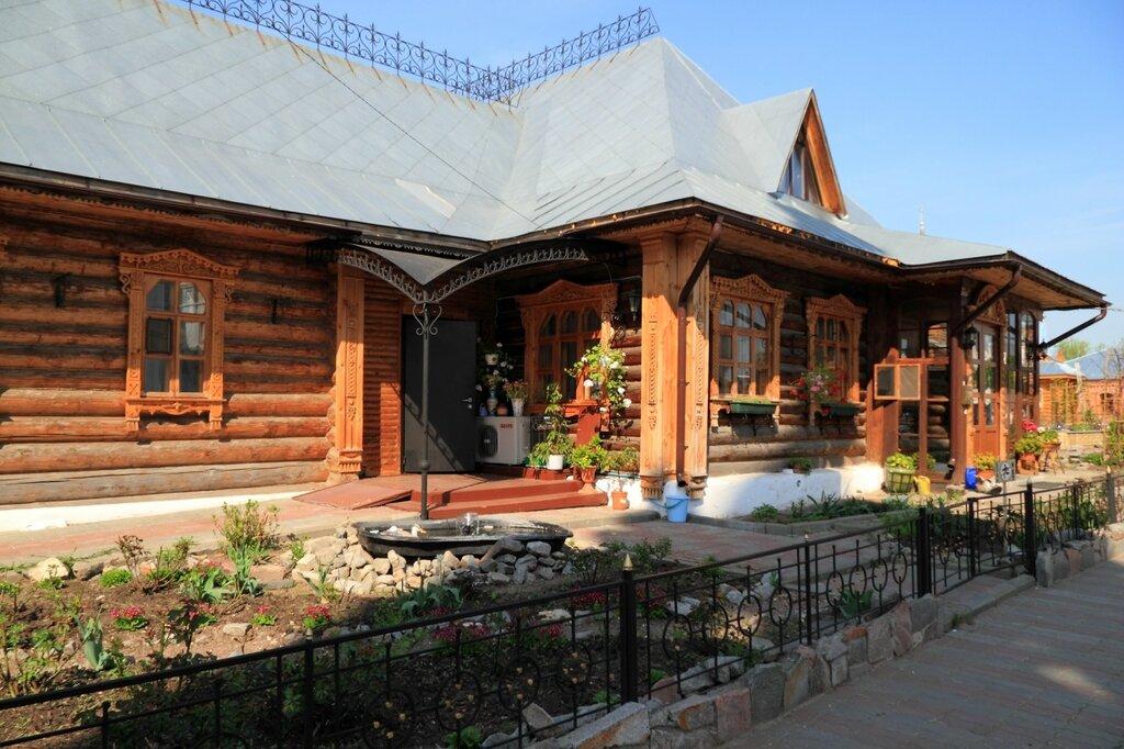 Строения на территории Свято-Троицкого женского монастыря