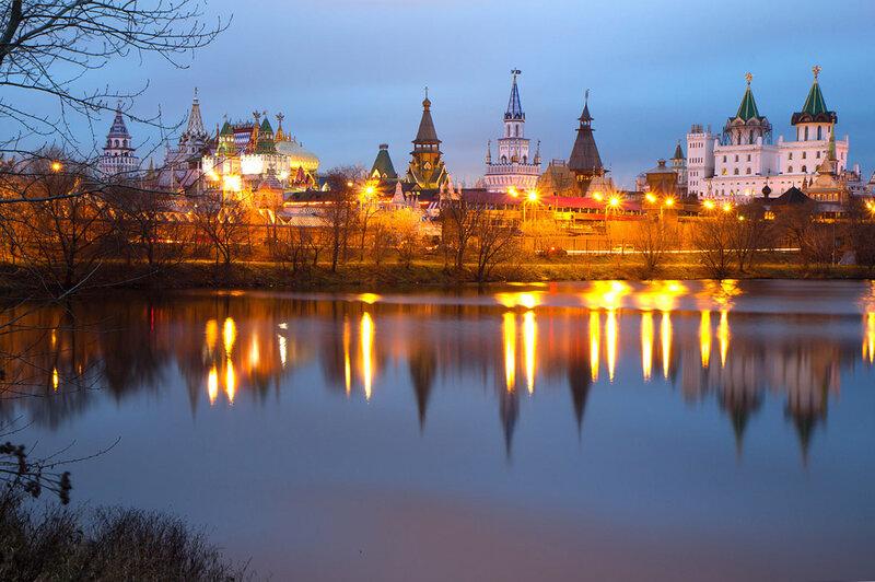 Измайловский кремль. Вечер.