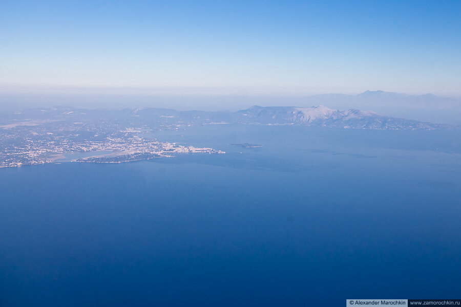 Взлёт с острова Корфу, набор высоты