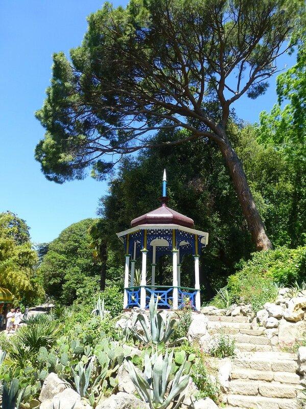 Беседка Мальвины в Никитском ботаническом саду