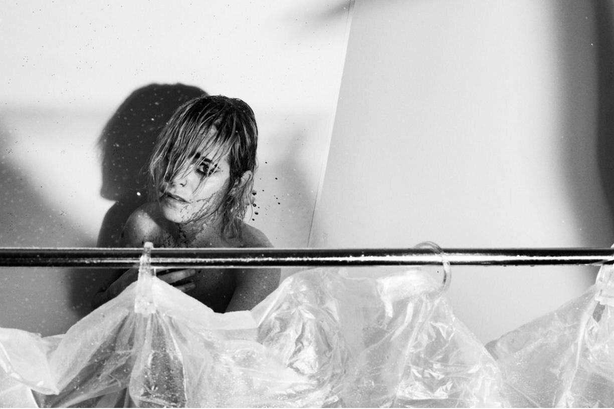 Тэрин Мэннинг в образе Джанет Ли из фильма «Психо»