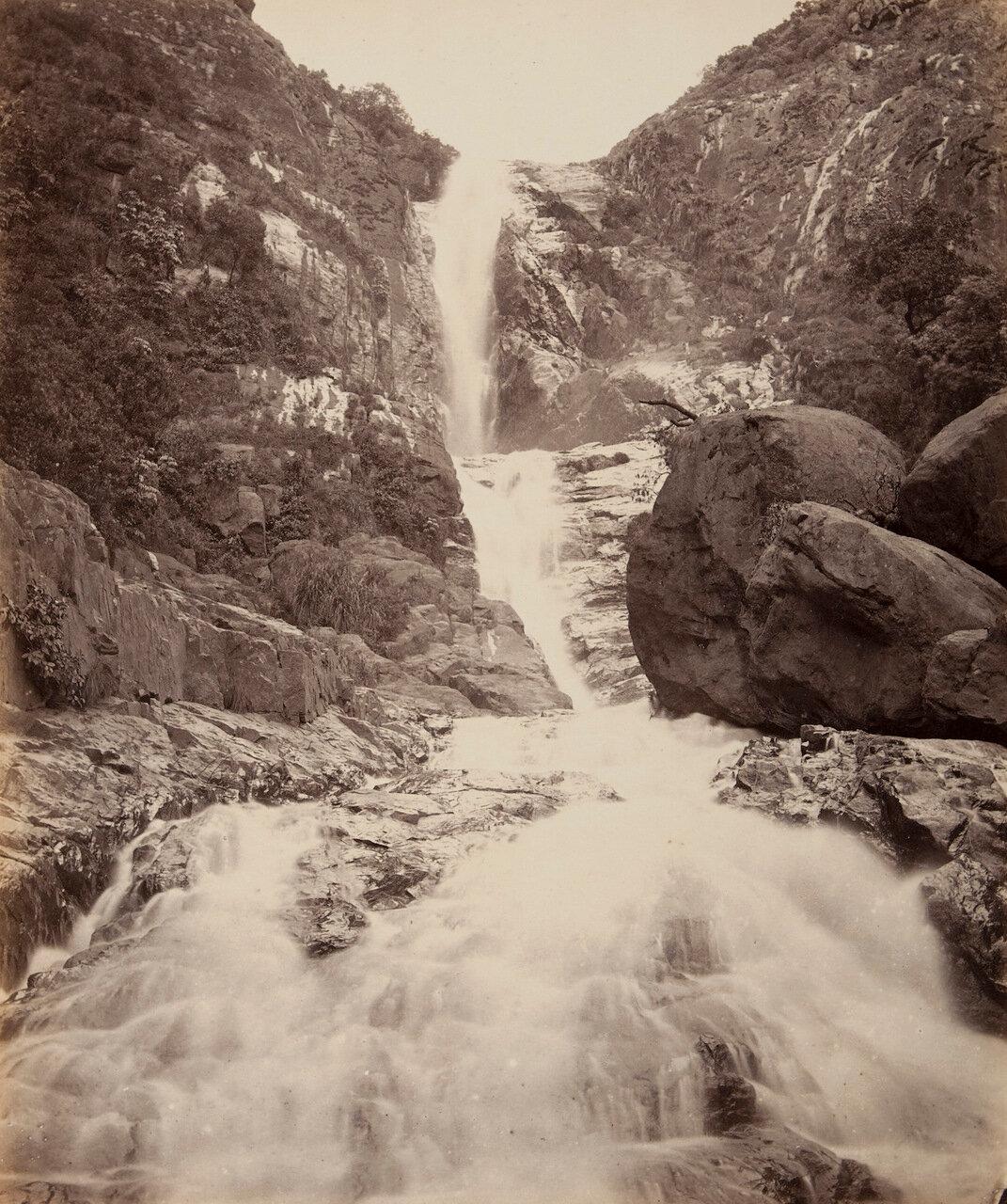 Водопад Катари, вид снизу