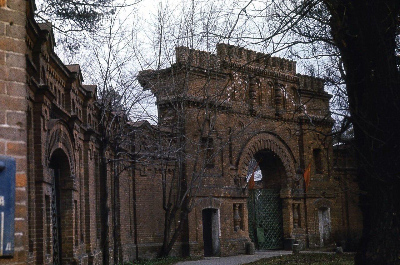 Усадьба Покровское-Стрешнево. Ворота