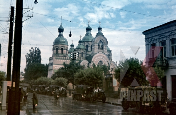 stock-photo-riwne-ukraine-1941-resurrection-cathedral-94-infantry-division-armoured-vehicles-pause-for-rest-12131.jpg