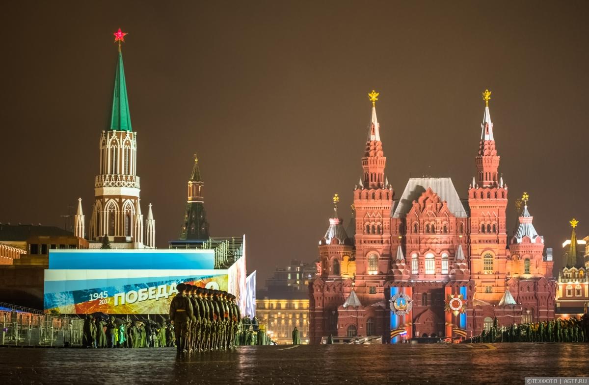 Первая ночная репетиция Парада Победы на Красной площади