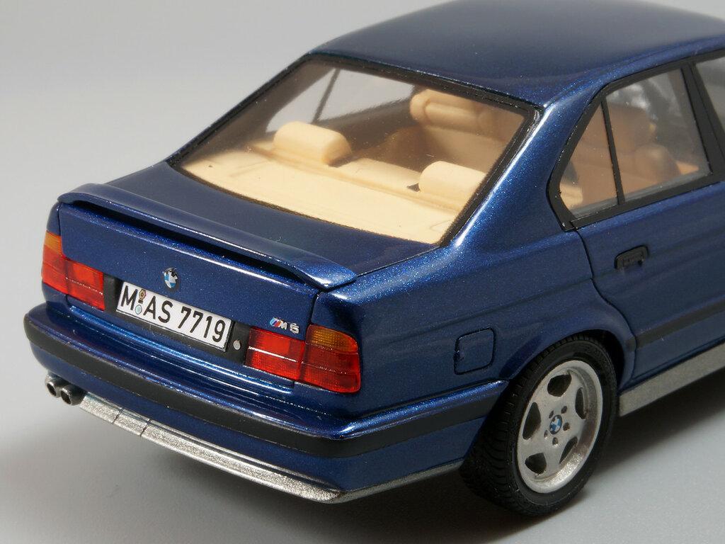 BMW_M5_E34_14.jpg