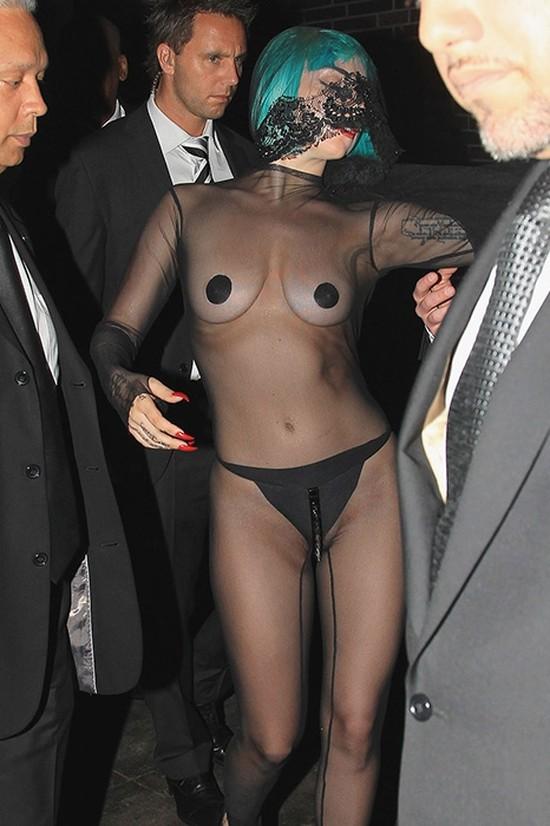 15. Леди Гага на премии CFDA, 2011 год