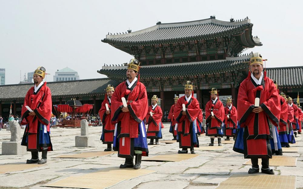 © guruturizma  Впоследнее время Сеул начал постепенно превращаться в«умный город». Так, напр