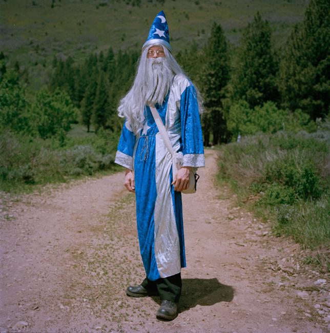 17. Дэниел, 39 лет, Мидуэйл, штат Юта Имя персонажа: Аркадиус Вальден Биография персонажа: Архимаг А