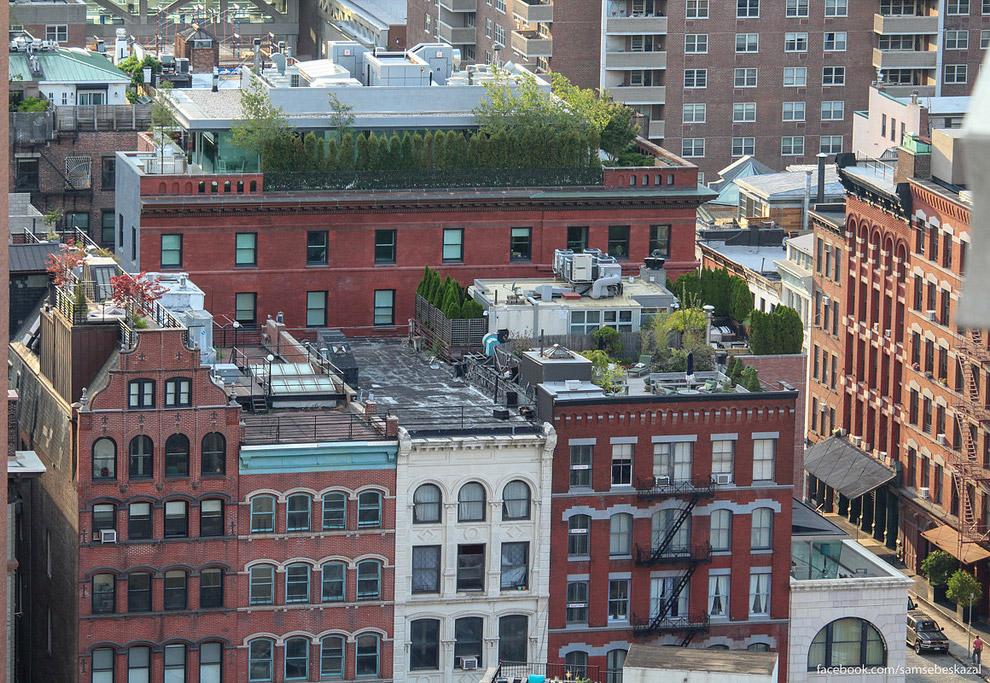 23. Непонятная надстройка на здании Страхового фонда штата Нью-Йорк (199 Church Street).