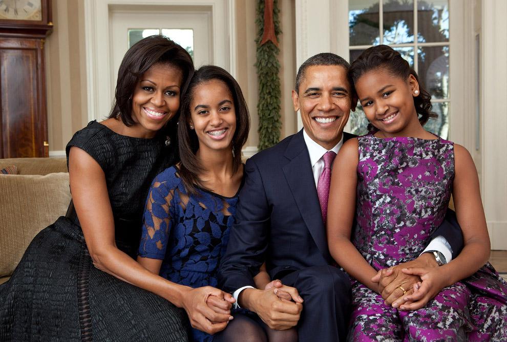 4. Барак Обама и первая леди Мишель спускаются в грузовом лифте на инаугурационной Бал в Вашинг