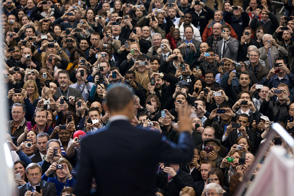 25. На интервью с Дэвидом Леттерманом, 18 сентября 2012. (Фото Pete Souza   The White House):