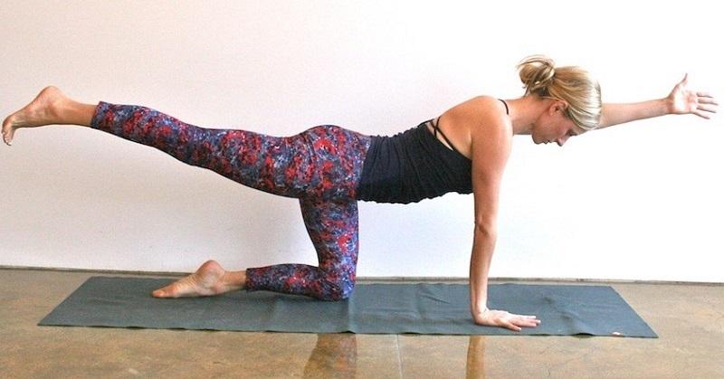 Посмотри в этом видео еще больше полезных упражнений, которые помогут избавиться от вдовьего горбика