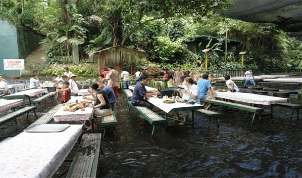 3. Ресторан Labassin Waterfalls (Сан-Пабло-Сити, Филиппины) Если вы решите посетить этот ресторанчик