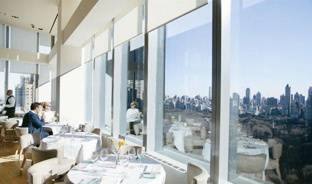 25. Asiate (Нью-Йорк, Нью-Йорк) Это место придется по душе всем любителям небоскребов.