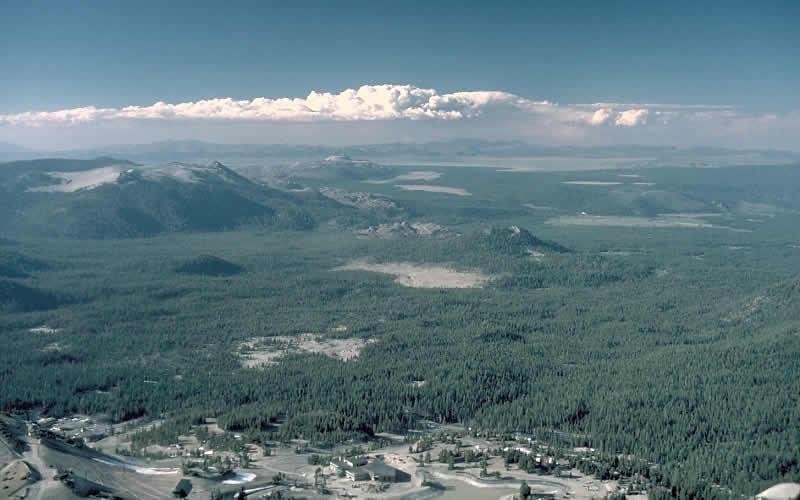 Лонг-Вэлли  Лонг-Вэлли располагается на востоке Калифорнии неподалеку от Мамонтовых гор. Кал