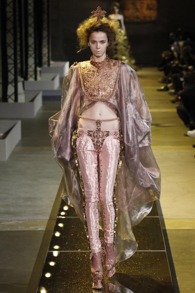 Неделя высокой моды в Париже: Guo Pei весна 2017