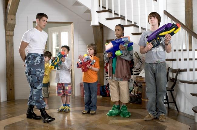 © Nickelodeon Movies  Если разница ввозрасте 12лет ибольше, можно использовать старшего вк
