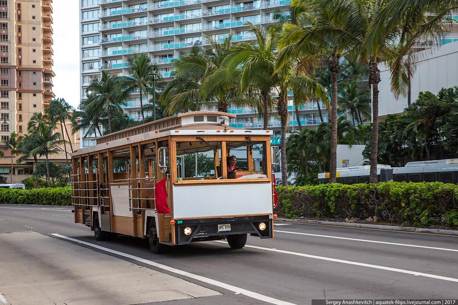 9. Гавайи — остров кабриолетов и особенно много здесь Мустангов разных годов выпуска. Здесь сме