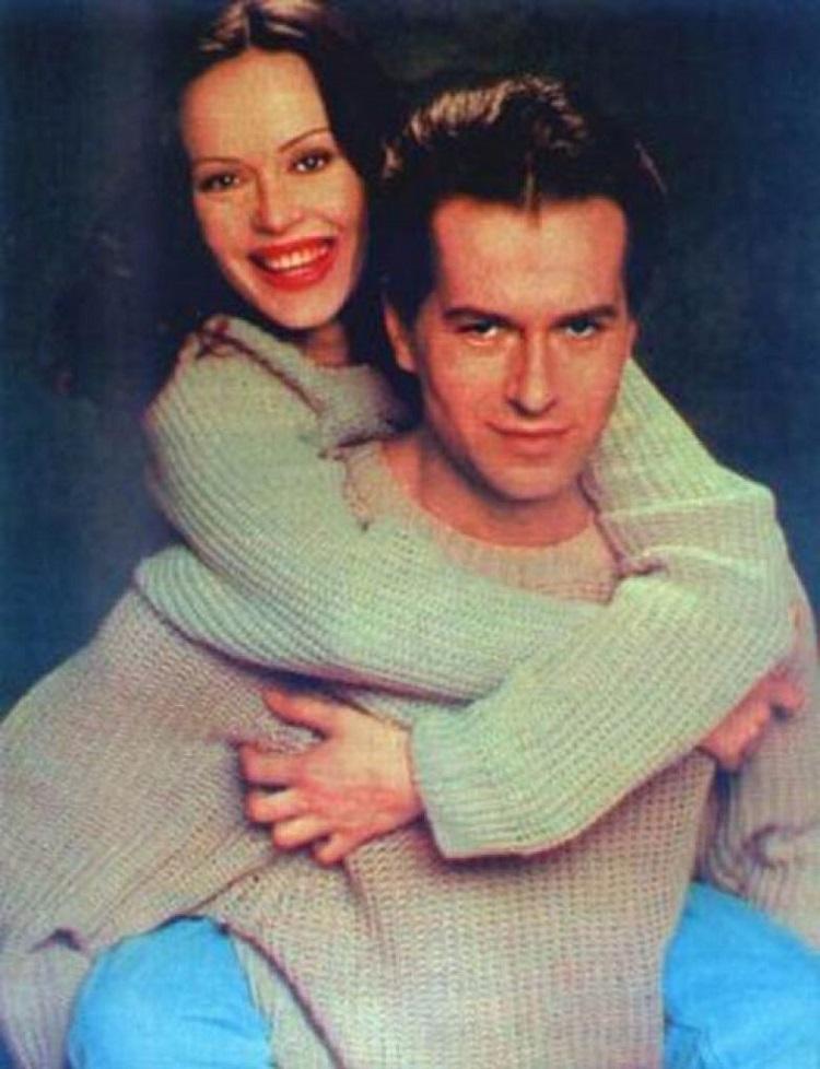 Игорь и Ирина начали встречаться, а в 1989 году у них родился сын Андрей. Спустя 10 лет Ирина остави