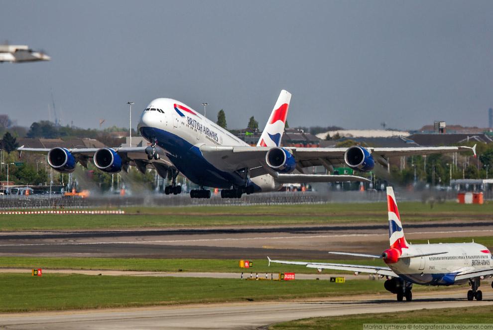 33. А380 — крупнейший пассажирский самолет.