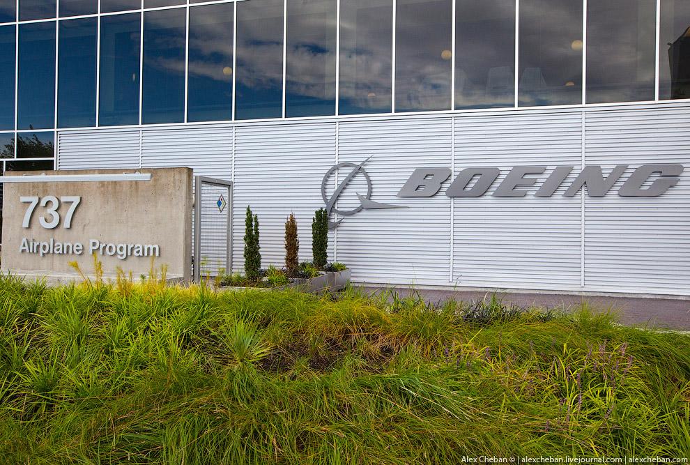 В 2003 году была проведена консолидация производства в Рентоне. Все конструкторские и вспомогат