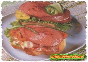 Бутерброд с колбасой и перцем