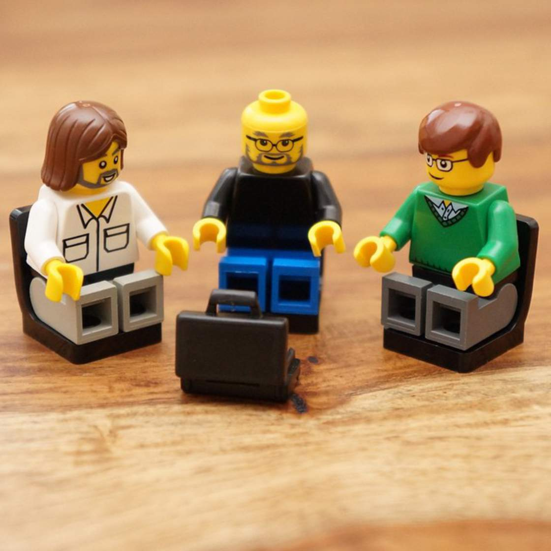 FamousBrick - The big names of high-tech become LEGO Minifigs
