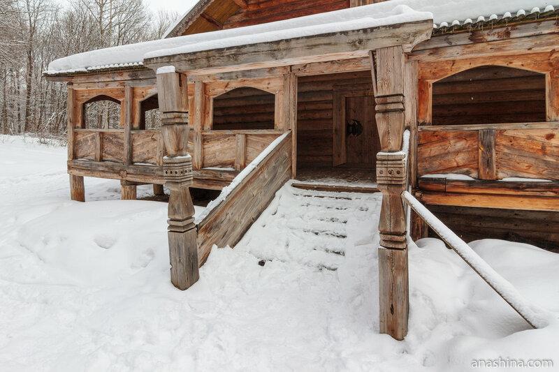 Паперть Покровской церкви, Щелоковский хутор