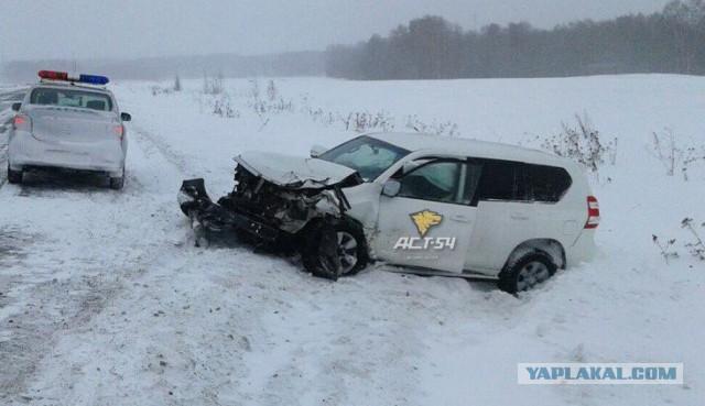 Водитель Toyota Land Cruiser при обгоне фуры не заметил ВАЗ 2107