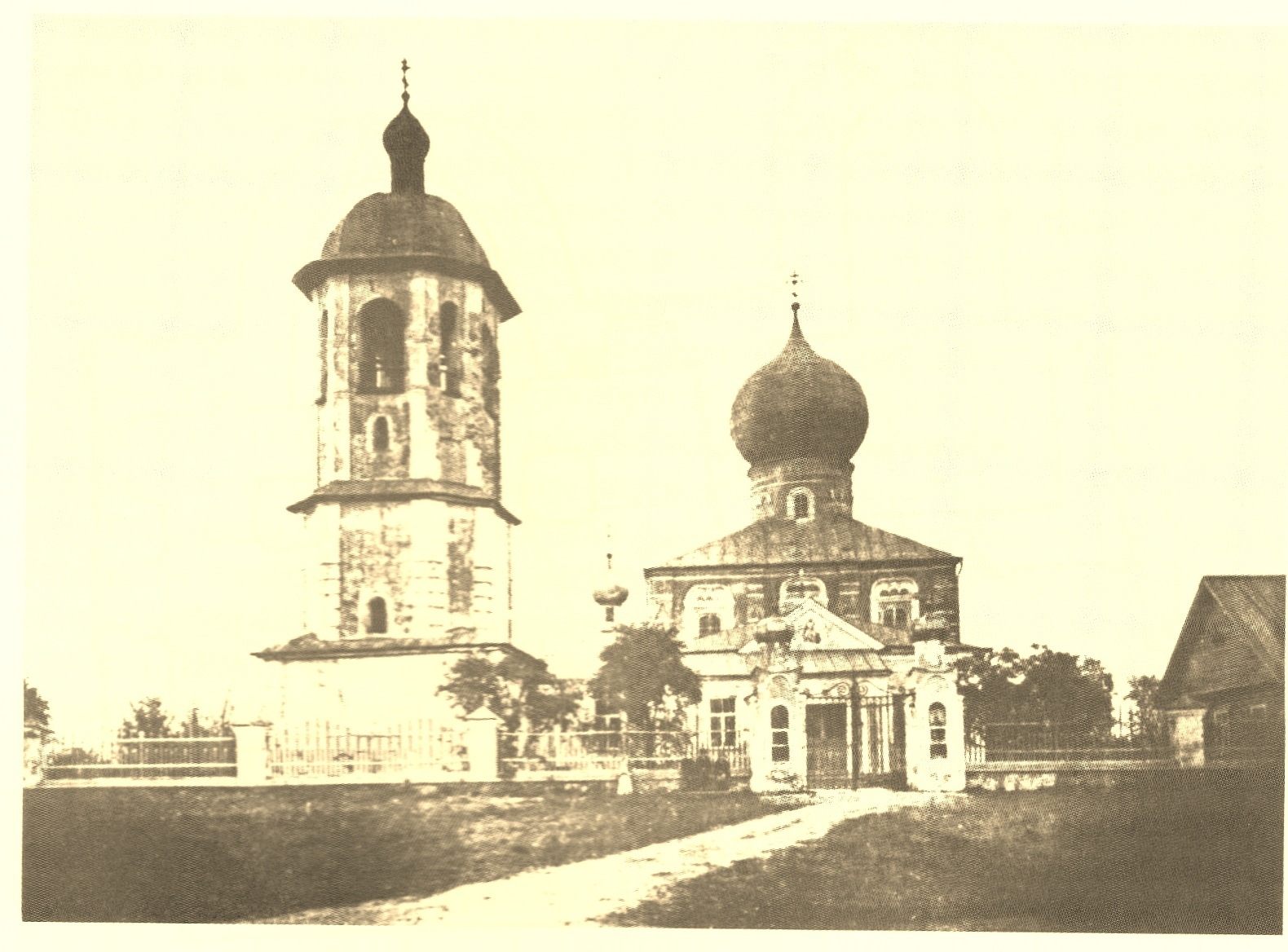 Церковь Георгия и Благовещения. Вид с запада