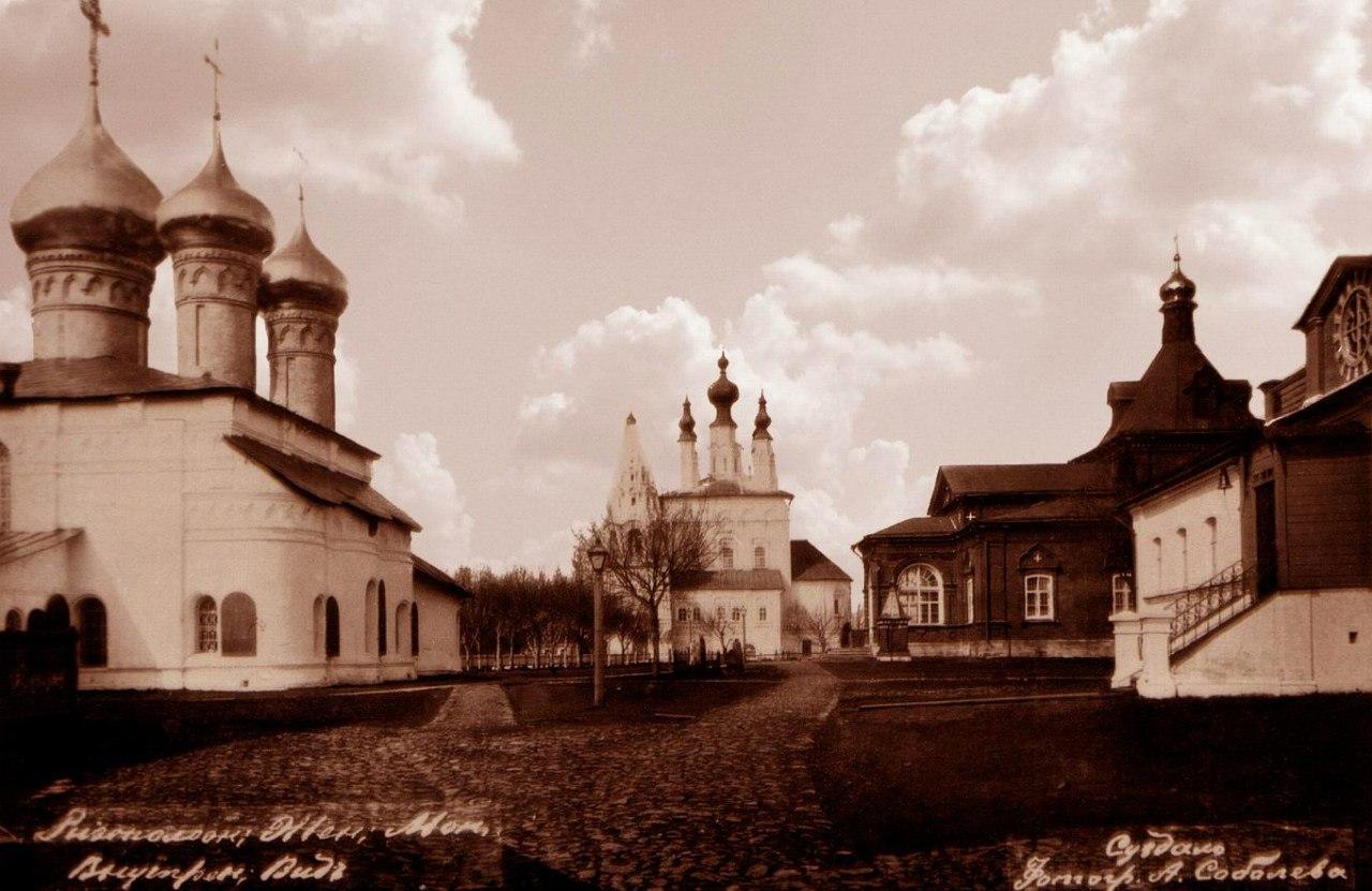 Ризоположенский женский монастырь. Внутренний вид