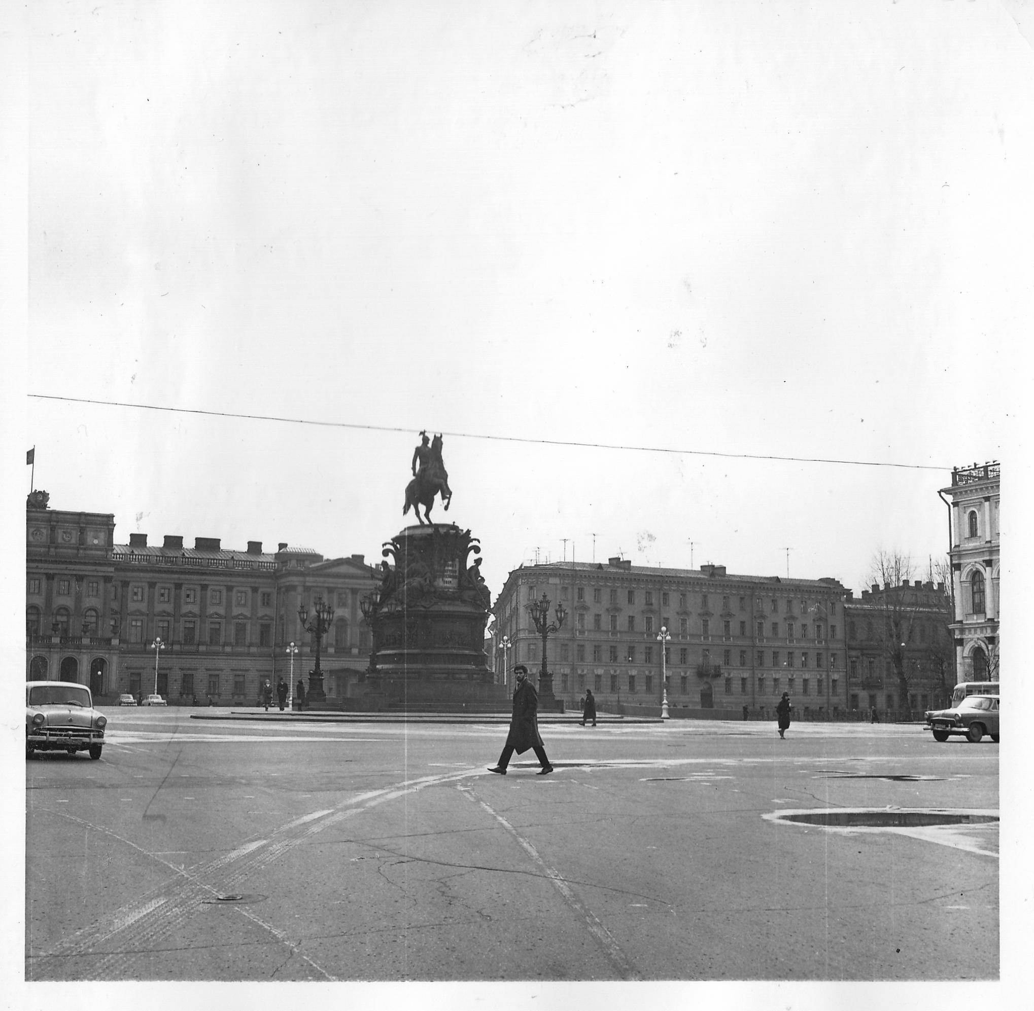 Статуя Николая I