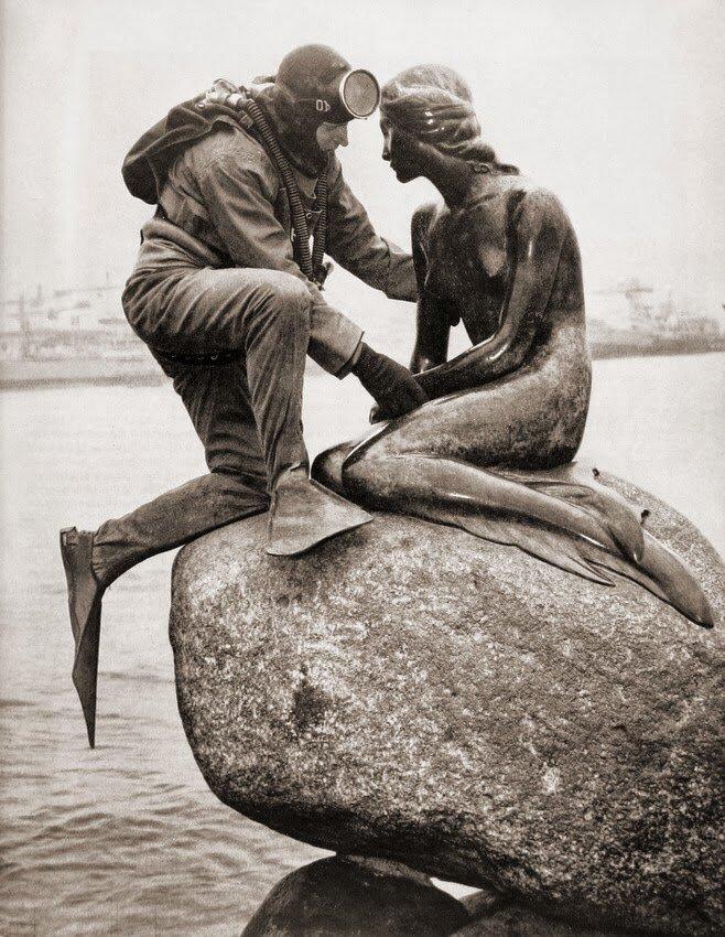 Frogman visiting little mermaid, Copenhagen, 1965