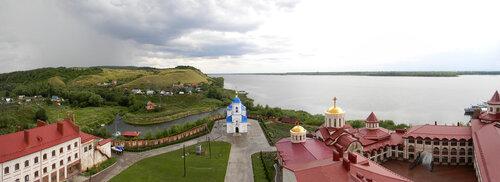 Монастырский двор. Вид с колокольни.