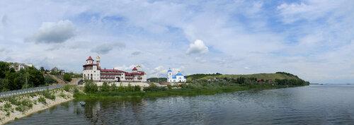 Монастырь на Волжском берегу