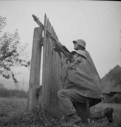 XP Comment FN Jost N 3213, Manover, Schiessubung (Fliegerabwehr) mit leichtem Maschinengewehr (Lmg) 25, 1937, Artist
