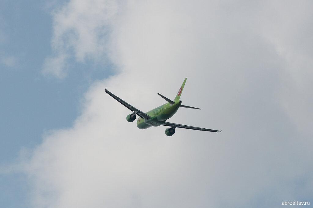 Рейс в Москва-Новосибирск совершил посадку в Барнауле