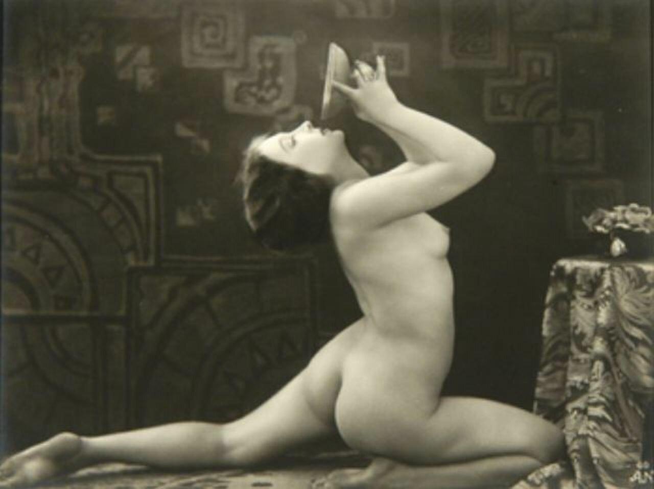Ретро фотографии эро, Ретро эротика голых девушки и женщины - смотреть 24 фотография