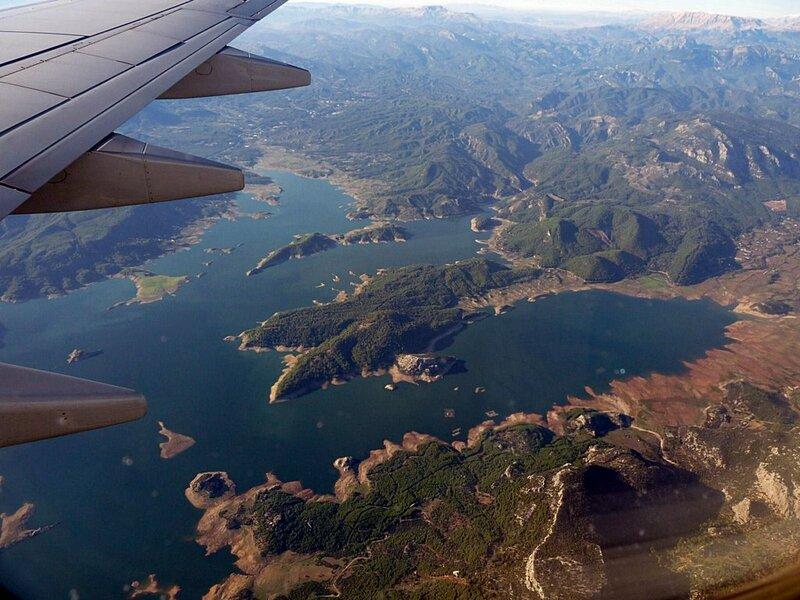 karacaören barajı uçaktan.jpg