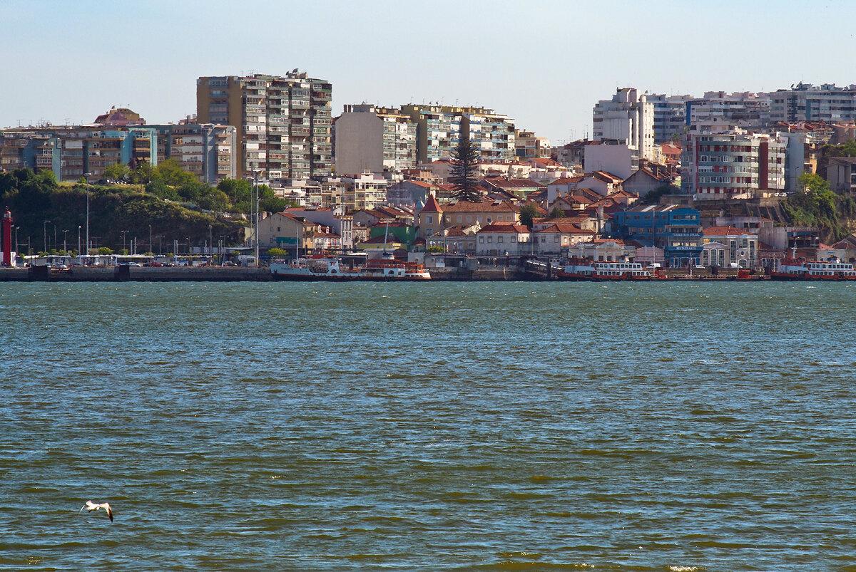 Лиссабон. Набережная.