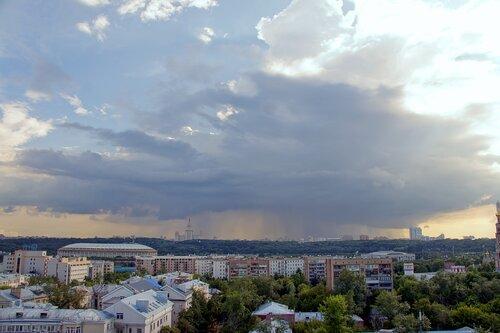 Дождь над МГУ