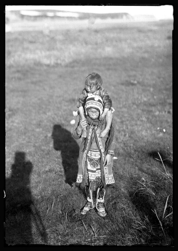 Женщина с ребенком. 1901