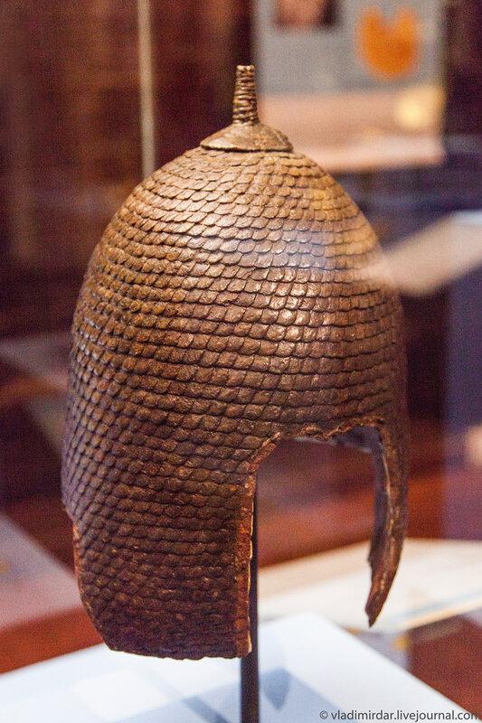 Боевой фракийский пластинчатый шлем