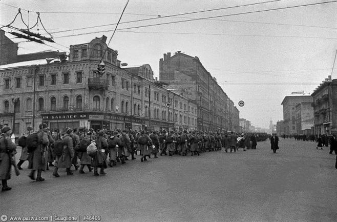 leningradskoe_chosse_oktyabr_1941.jpg
